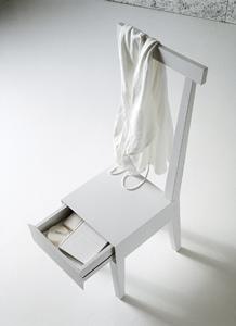 La sedia con il cassetto