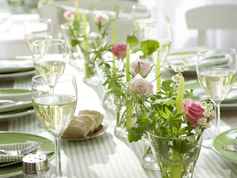 Decorare la tavola con erbe aromatiche il cestino da picnic - Decoration table printemps ...